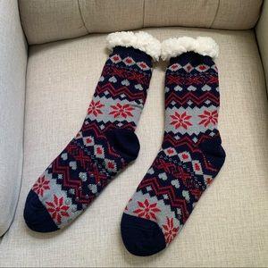 NWOT Fuzzy Lined Nonskid Slipper Socks